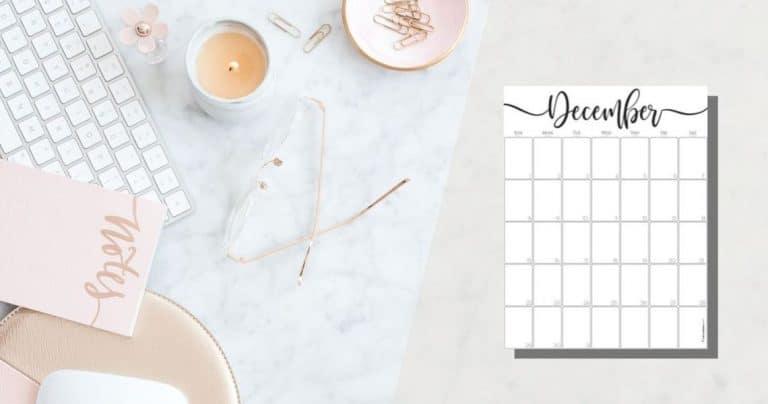 Elegant Vertical December 2019 Calendar {Free Printable}