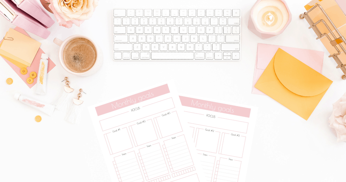 Set and achieve your monthly goals with the monthly goals planner free printable. | Free printables | Planner sheet | Goal Planning | Goal setting | Goal Achieving | Goal getter | Self Development | Personal Development | Make dreams reality | How to achieve goals | SaturdayGift | Saturday gift #SaturdayGift