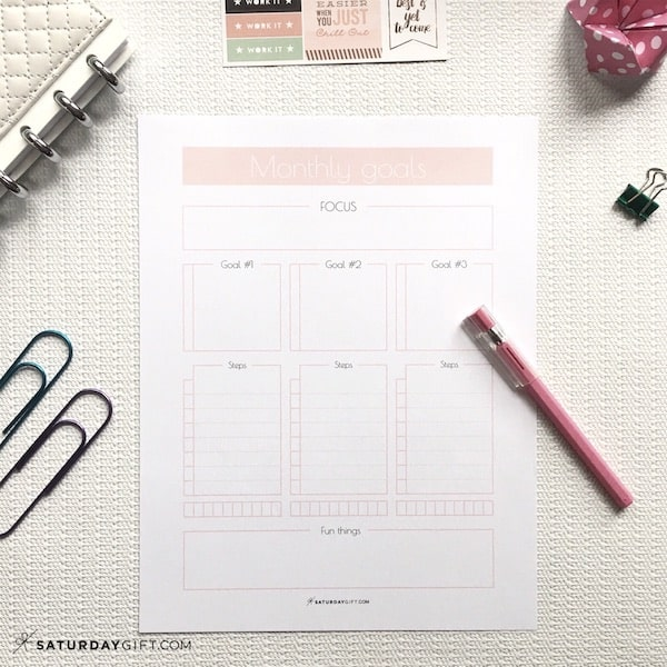 Monthly goals worksheet Light Pink | Plan and achieve your monthly goals with the monthly goals planner free printable. | Planner insert | Goal Planning | Goal setting | Goal Achieving | Goal getter | Self Development | Personal Growth | How to set goals | How to achieve goals | SaturdayGift | Saturday gift #SaturdayGift