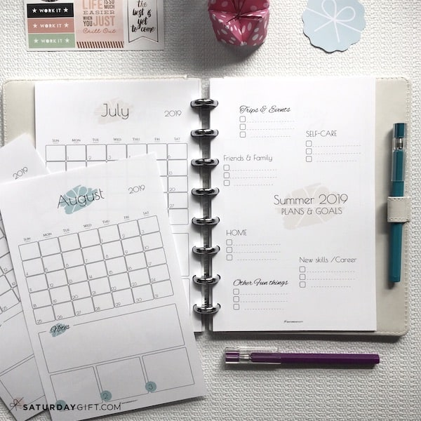 Summer plans and goals calendar June July August 2019 - free printables   Multiple sizes   US Letter   A4   A5   Half Letter   Pretty printable   Planner insert   Planning & Organizing   2019 Calendar   Minimalistic & simple   SaturdayGift   Saturday gift #SaturdayGift