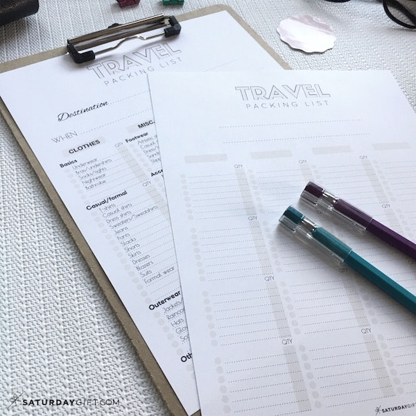 The Complete travel packing list {Free printables}